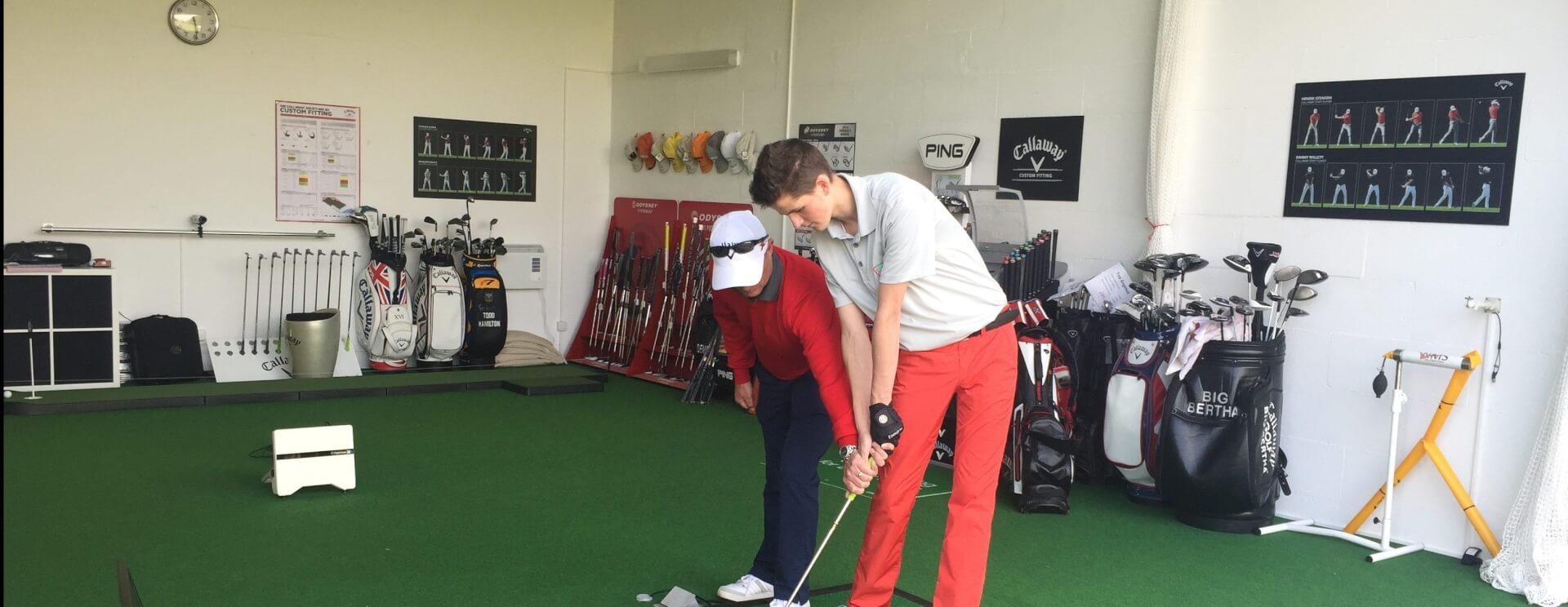 https://golfclub-peckeloh.de/wp-content/uploads/2018/02/indoor01-e1520502738672.jpg