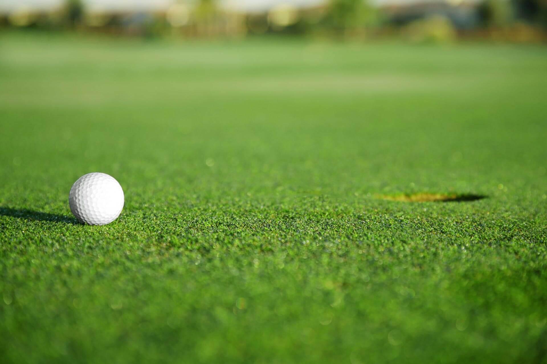 https://golfclub-peckeloh.de/wp-content/uploads/2018/03/shutterstock_9802939_bearbeitet.jpg